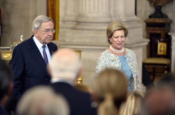 Felipe VI y Letizia - Página 2 Abdicacion-quien-2-a