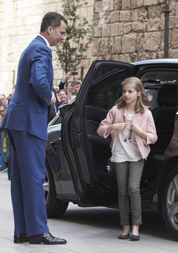 Felipe VI y Letizia - Página 6 Pascua7--a