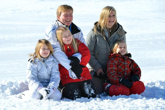 La reina Beatrix y su familia Posado-holanda4-a