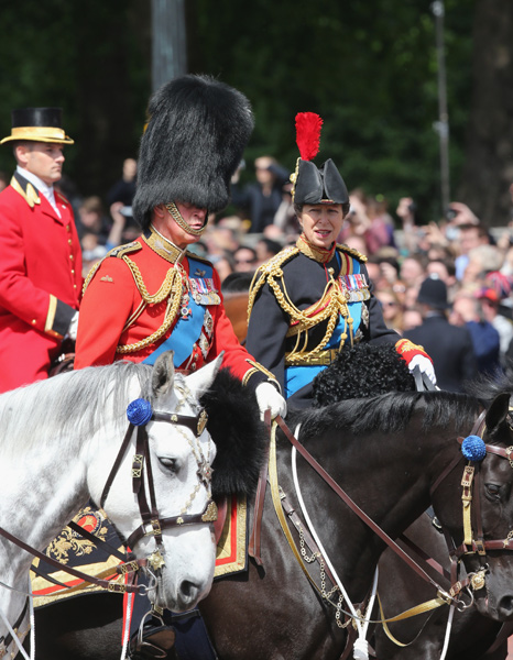 Trooping the Colour 2013. Desfile-trop-carlos-ana--a