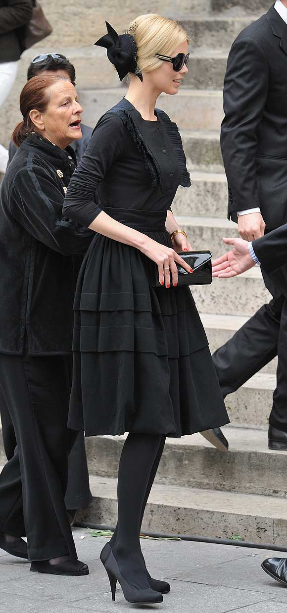 EL RINCÓN DE LA BELLEZA por Andrómeda Schiffer-funeralyves1a