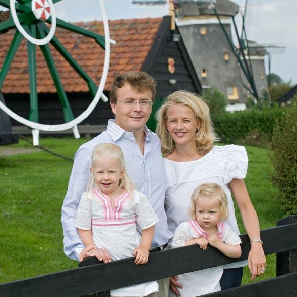 La reina Beatrix y su familia - Página 2 Friso-mabel-1a