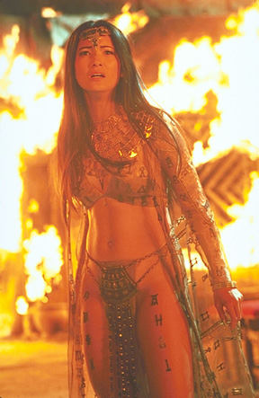 John Bloomfield costume designs Leela in Dr. Who Scorpion_king_kelly_hu