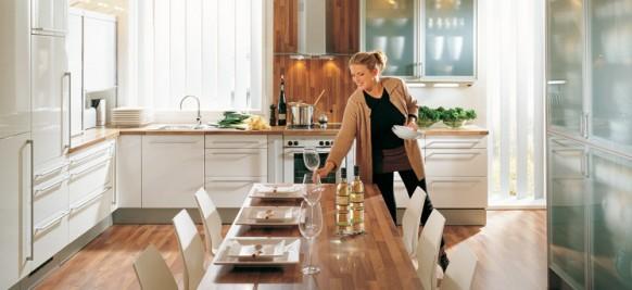اجمل الدهانات للمنزل Brown-kitchen-countertop-582x267