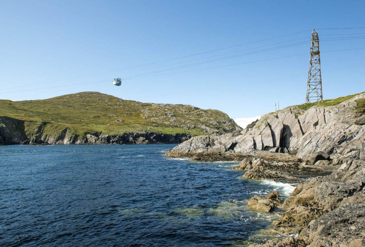 Tourisme en Irlande : 5 îles à découvrir cet été Dursey%20Island%20Cable%20Car%2C%20County%20Cork_Web%20Size