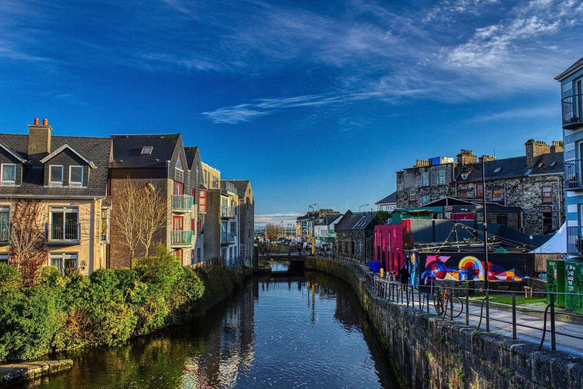 Livres : l'Irlande au rythme de vos émotions ! Eglinton%20Canal%2C%20Galway%20City_Web%20Size