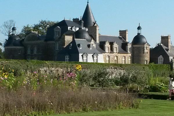 Château de Martine 26/06 trouvé par Jov Chateau-de-la-bourbansais-potager