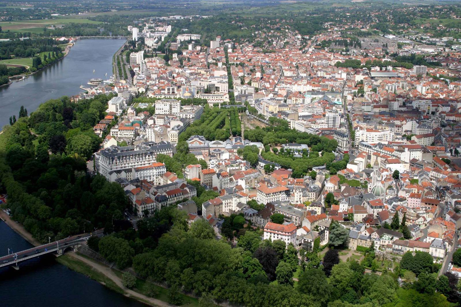 [Jeu] De quelle ville s'agit-il ?  - Page 4 Vichy6