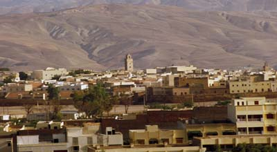 Par ordre alphabétique, des villes et des villages . - Page 6 Taza_marruecos