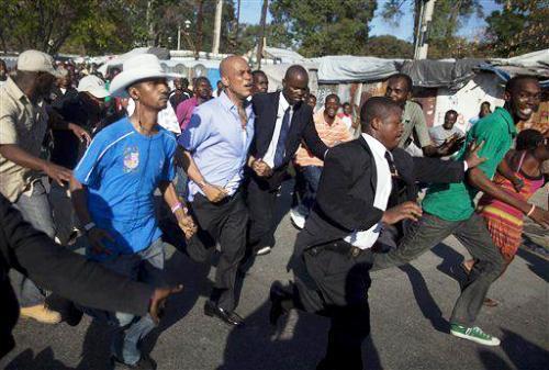 Martelly Chaloska prezidan bann machwè Mart-cour
