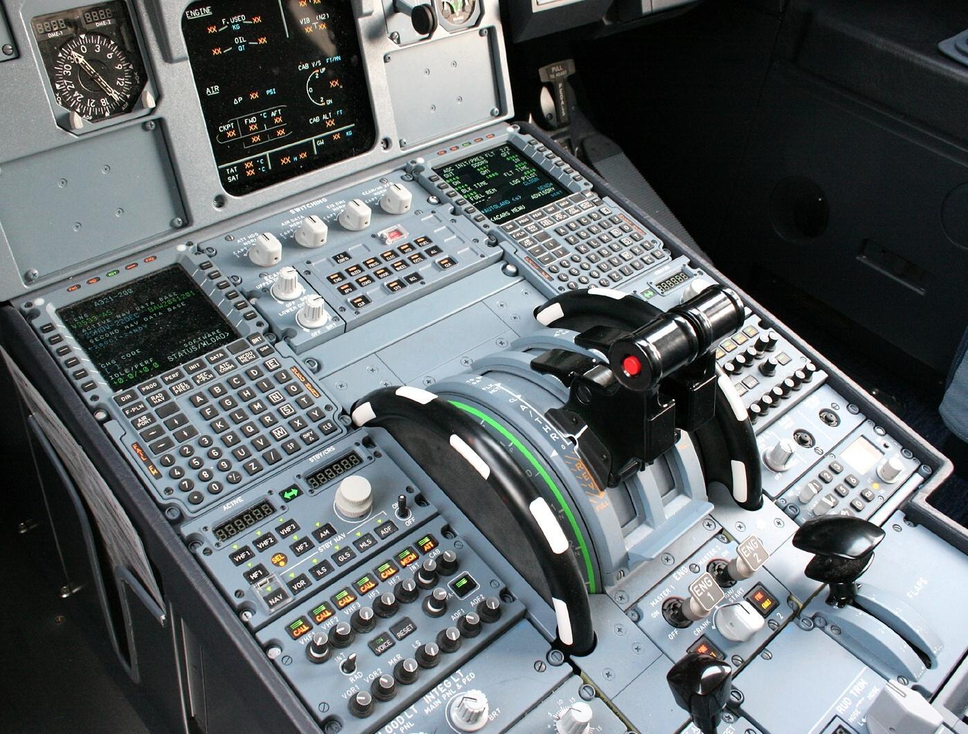 Citation X - Page 22 A320-throttles
