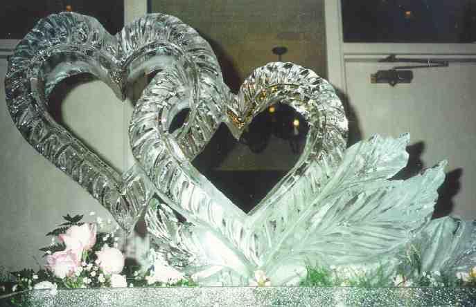 Arte efímero, esculturas en hielo y nieve True_hearts