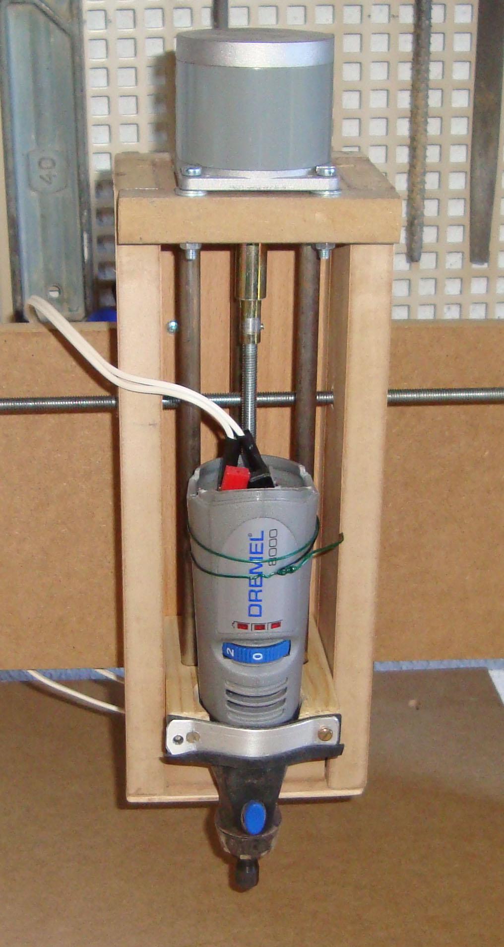 Construir una fresadora CNC Cabezal_con_dremel