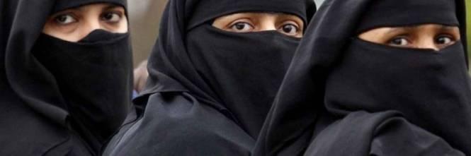 """""""Sono la causa dell'adulterio, è giusto punire di più le donne"""" 1473774623-burqa"""
