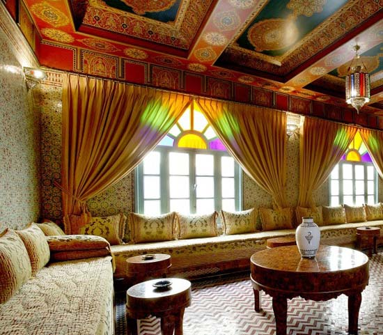 ديكورات جبس مغربي في السقف Moroccan-decorating-ideas-ceiling-painting