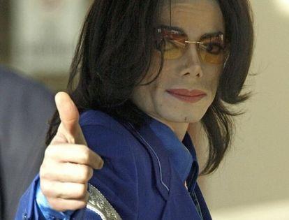 Le mani di Michael - Pagina 2 20090521michaeljackson_182265