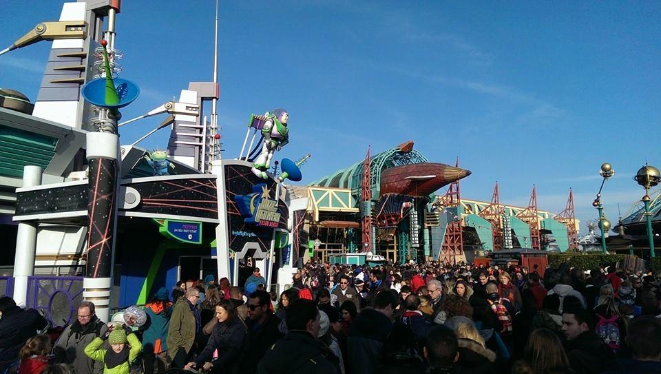 Disneyland Paris peut il vraiment se faire rattraper par des voisins Européens?  - Page 3 1525770251752480220
