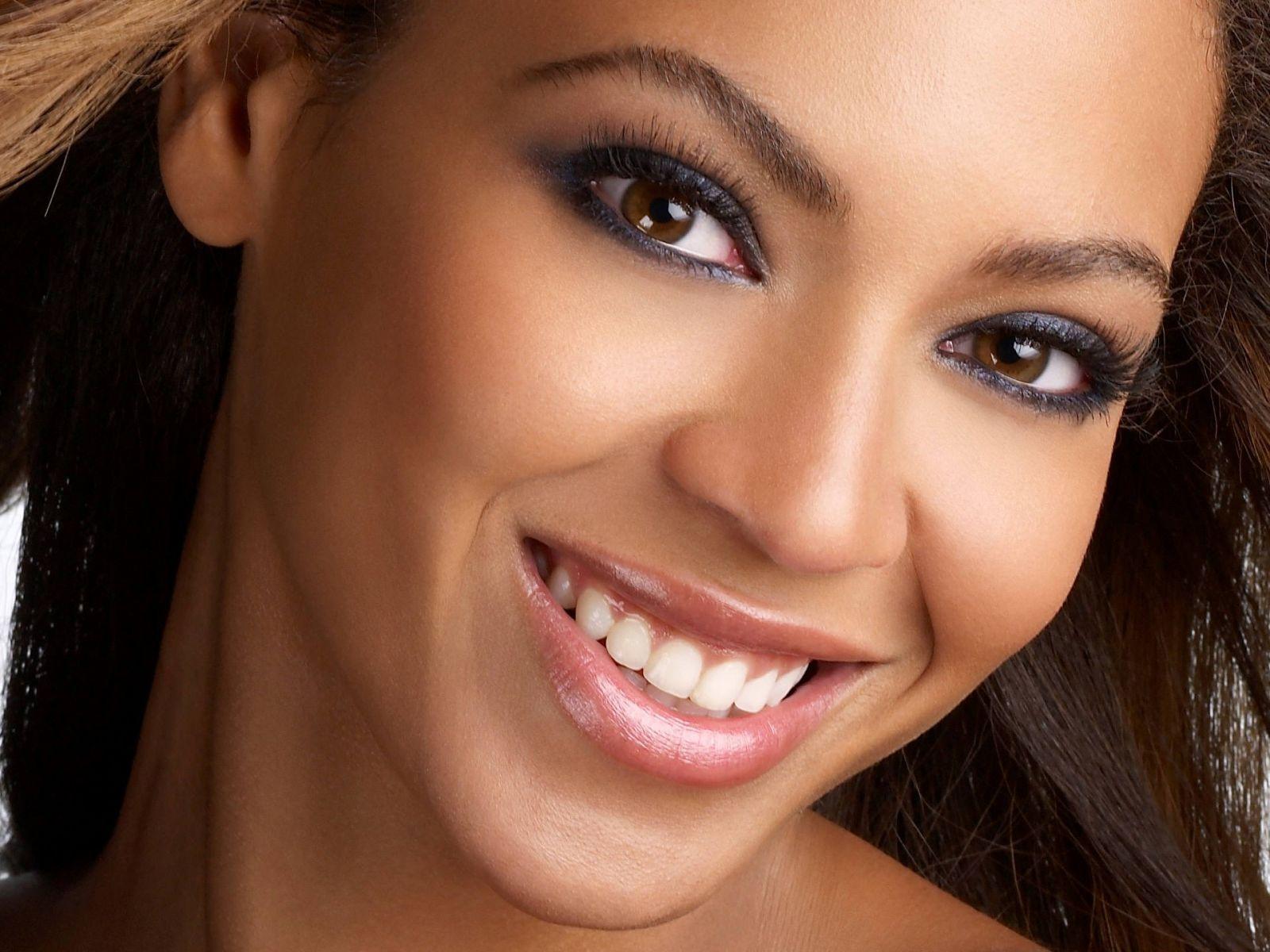 Una Sonrisa es Alegria - Página 2 Foto-preciosa-sonrisa-de-beyonce