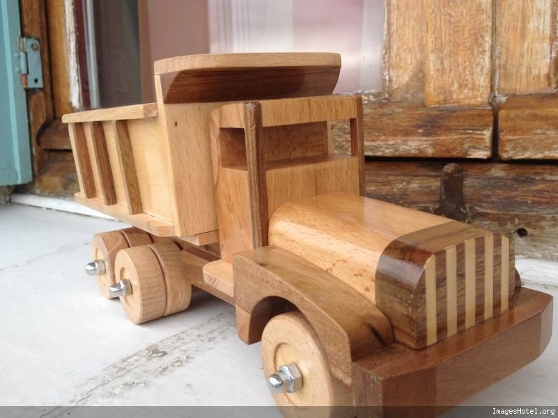 Camion en bois Img0825_1
