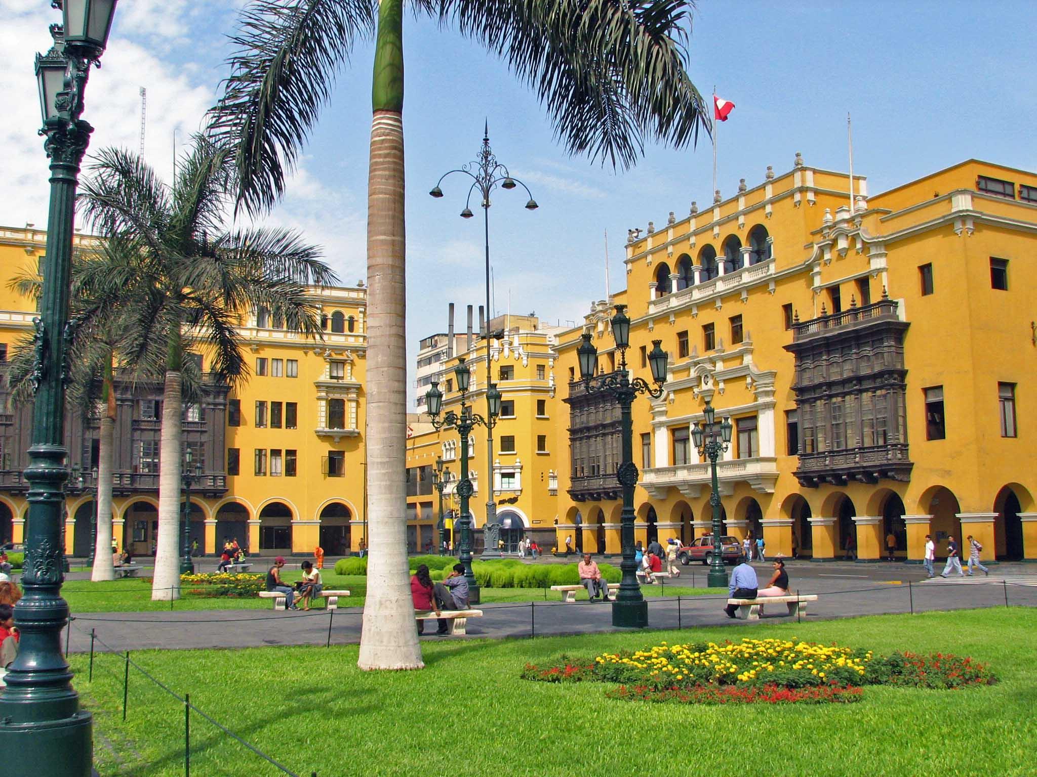 Peru DK_photo_Plaza_Mayor_Lima_Peru_copy
