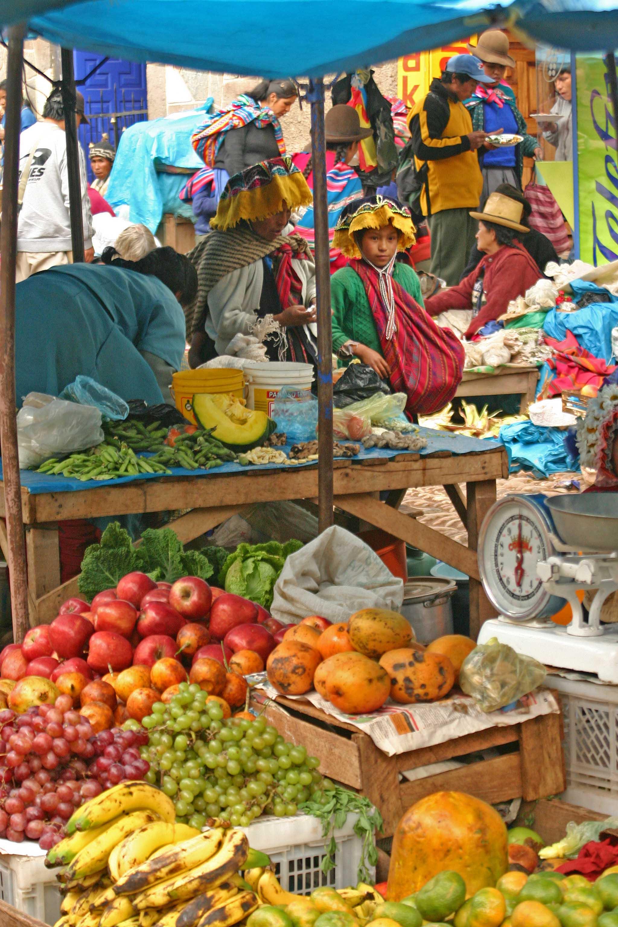 Peru Outdoor_market_at_Pisac_Andes_Mts_Peru_image_1_copy