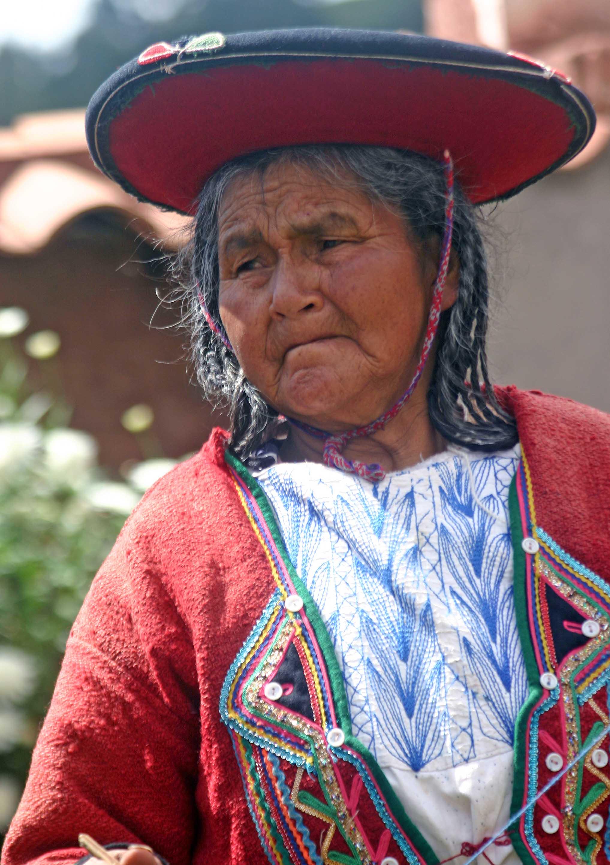 Peru - Page 2 Portrait_of_a_Quetchua_woman_Andes_Mts_Peru_copy
