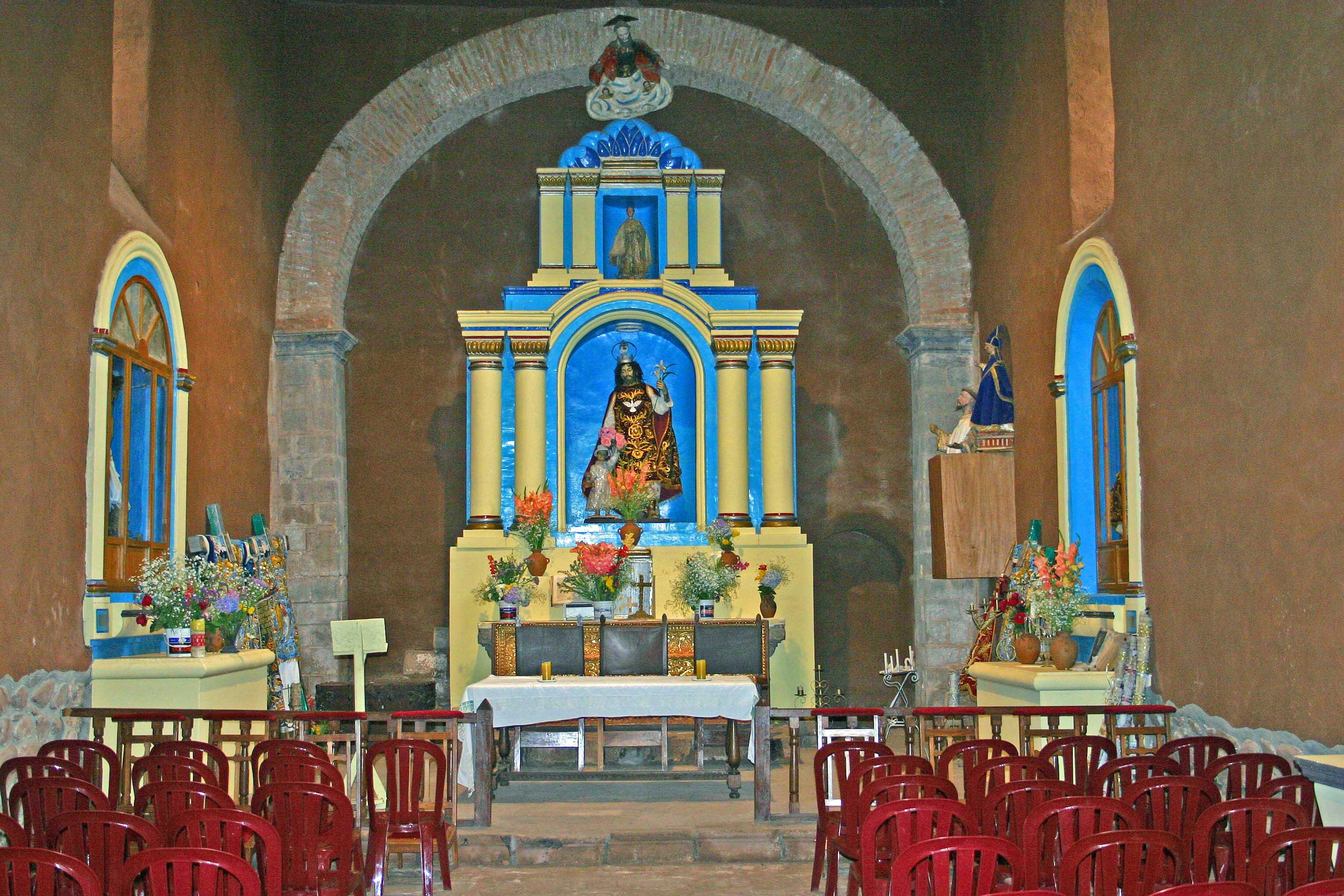 Peru The_old_church_at_the_San_Agustin_Monasterio_in_Urubamba_Peru_copy