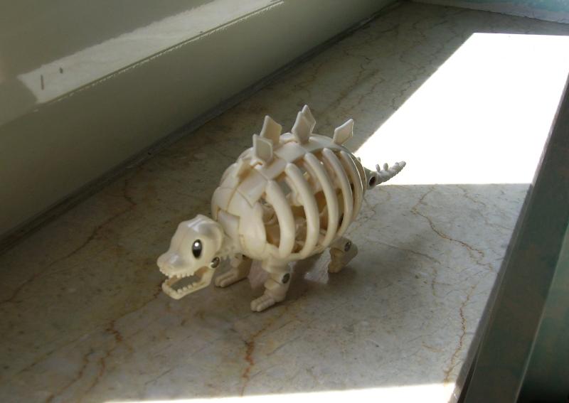 CERCO   egg monsters il tirano rex lo scheletro I885181_Mostruovo