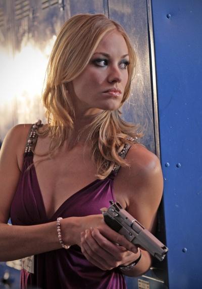 Un 9mm en inox… - Page 2 400px-Chuck-AgentSarahWalker