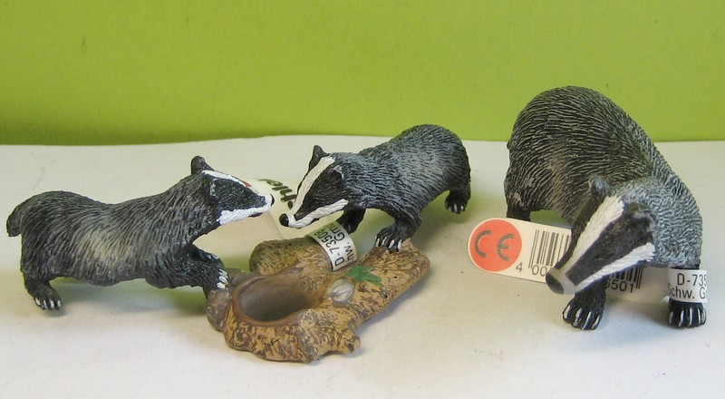 Susanne's Schleich additions! - Page 3 Maybadgers