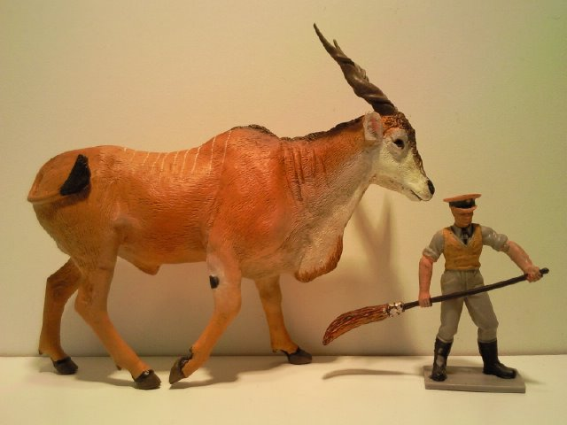 2 New Figurines from Ana for June 2011! Anas_Elandantilope_1