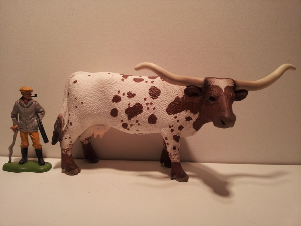 Willy's Schleich additions...  - Page 9 13685_Schleich_Texas_Longhornkoe_CH_2011__1