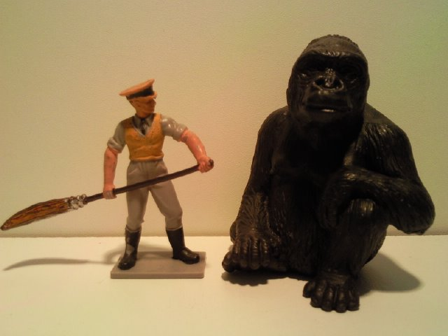 Willy's Schleich additions...  14197_Schleich_Gorilla_vrouw_G_2002_2004_1