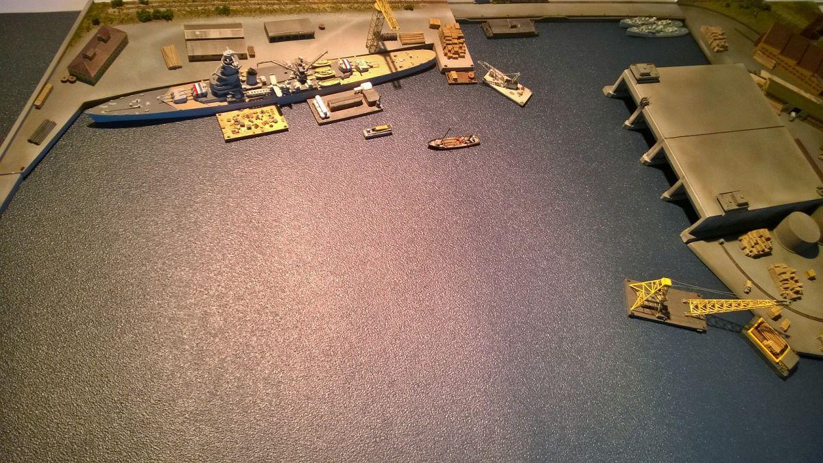 Diorama base navale 1/700 par Nesquik - Page 2 8iaPWd5RE