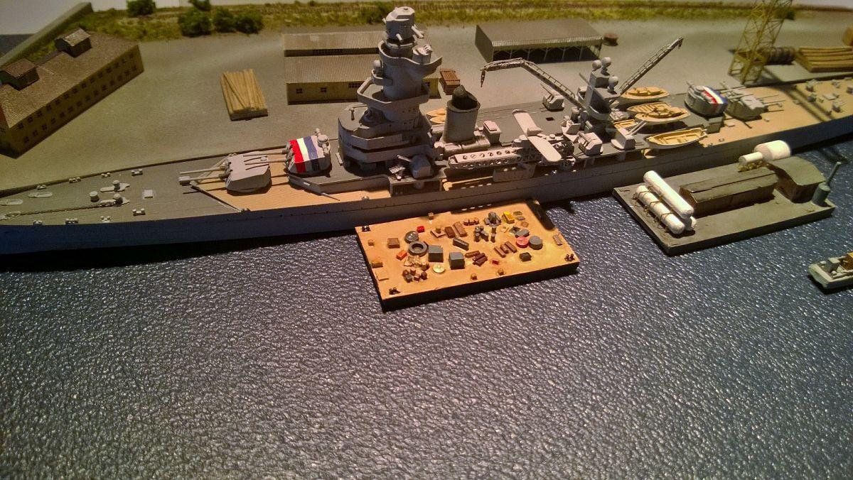 Diorama base navale 1/700 par Nesquik - Page 2 SGpq