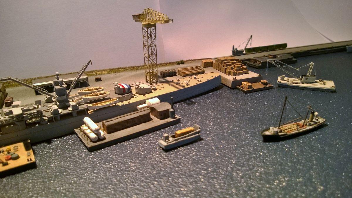 Diorama base navale 1/700 par Nesquik - Page 2 Fdb7ltR