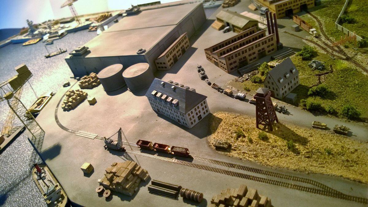 Diorama base navale 1/700 par Nesquik - Page 2 QLEnzD