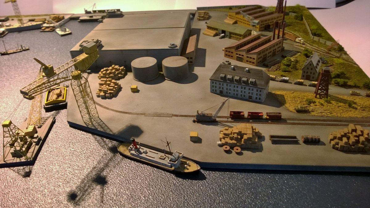 Diorama base navale 1/700 par Nesquik - Page 2 YVfrbXC