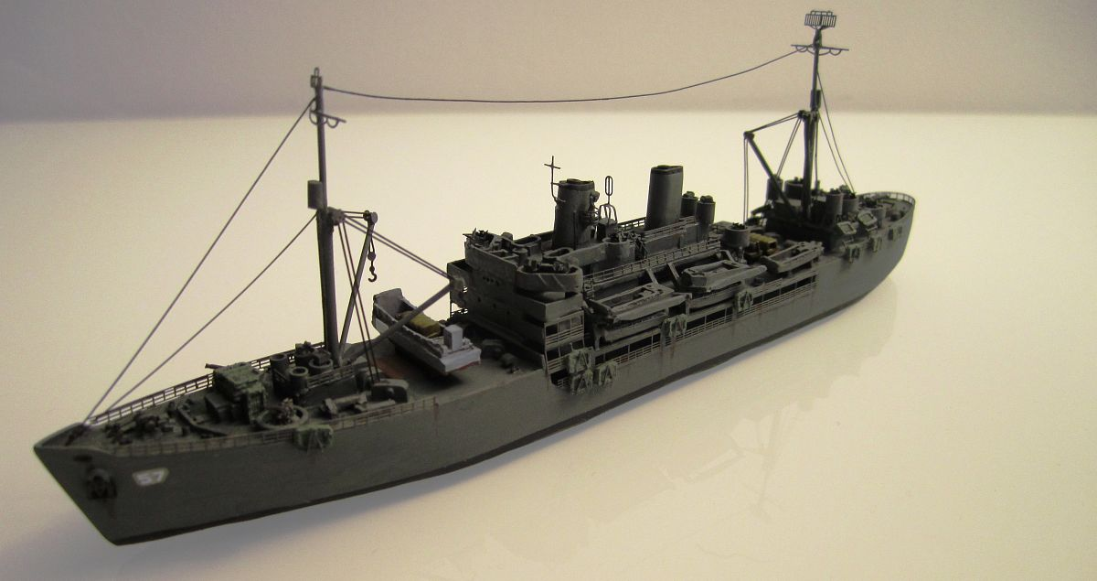 Transport de troupes US 1/700 - USS Gilliam - Nesquik ML6jfmFqY1