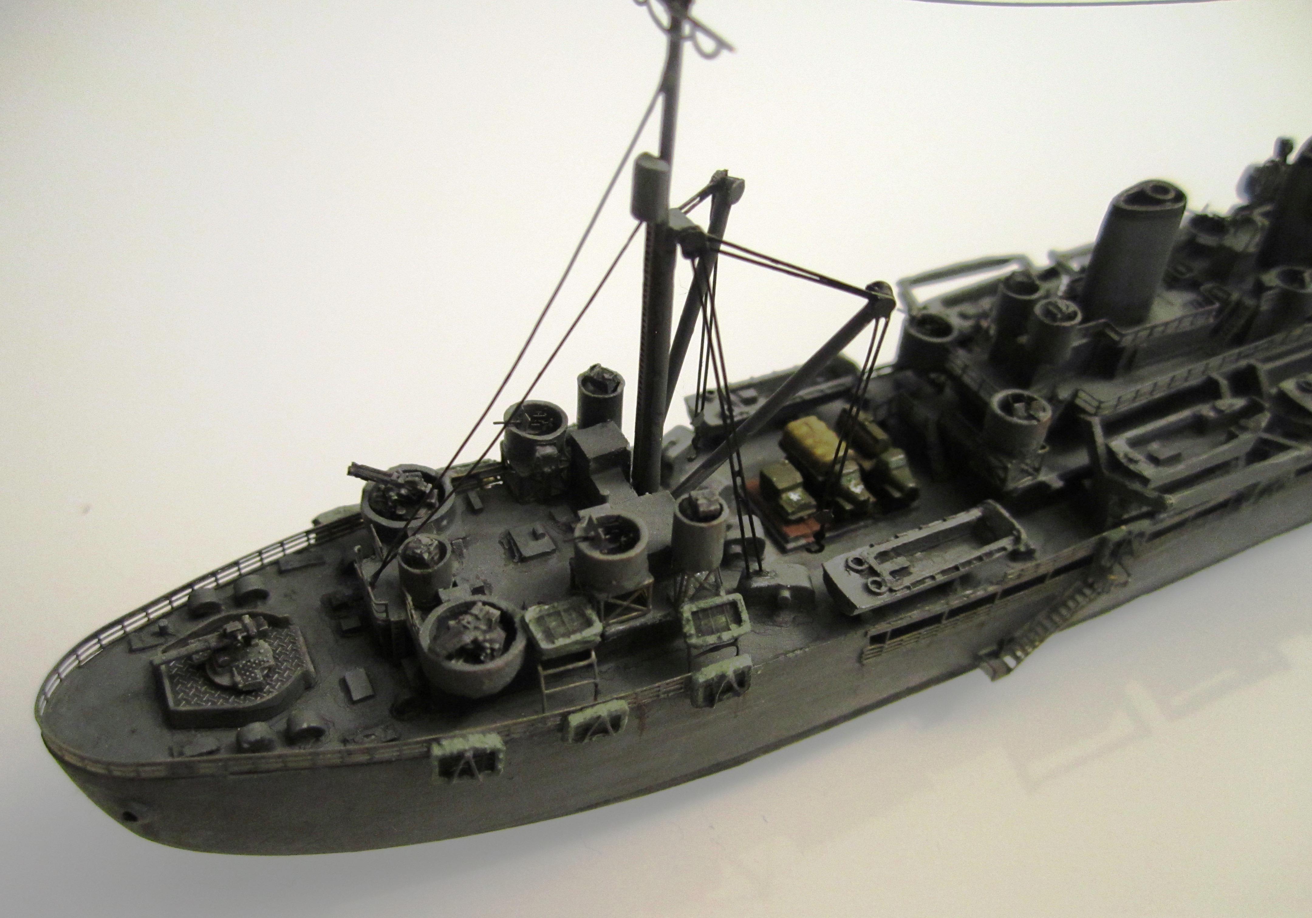 Transport de troupes US 1/700 - USS Gilliam - Nesquik PwrONY