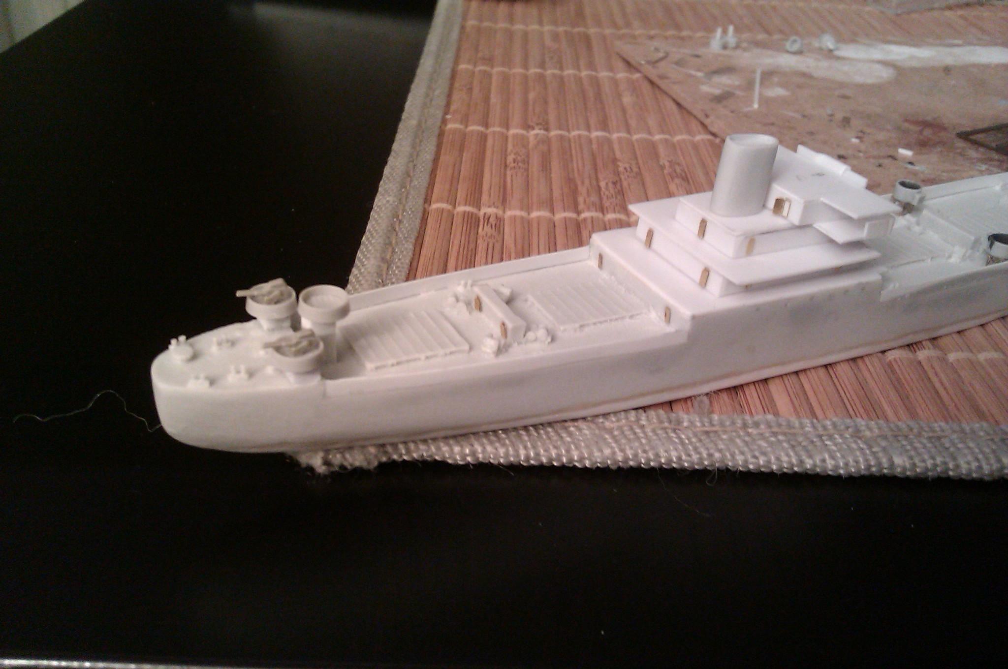 USS Thurston 1/700 à partir du kit Armerican scout de Loose cannon Asgp6ocmQ