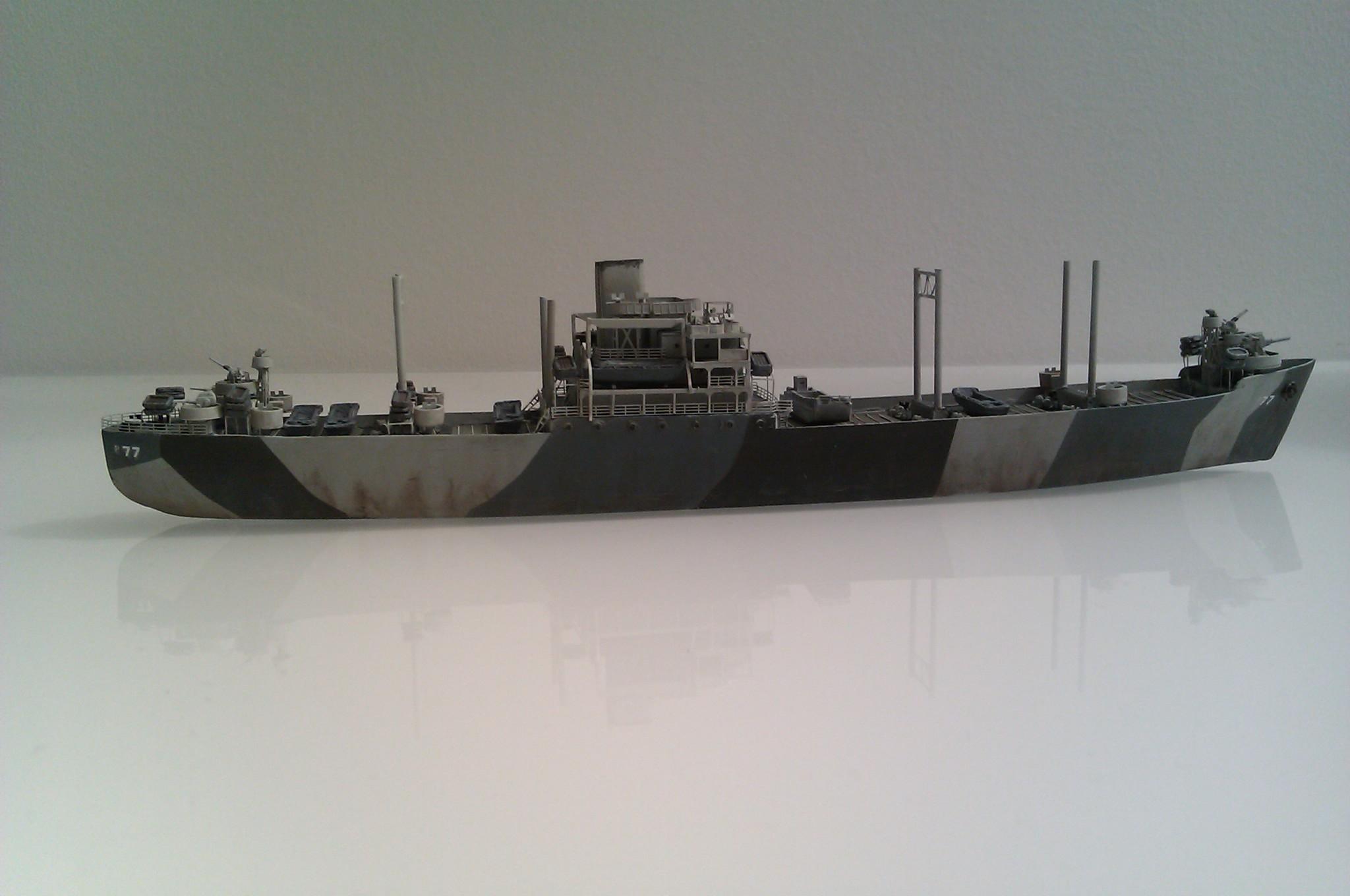 USS Thurston 1/700 à partir du kit Armerican scout de Loose cannon CEvbL