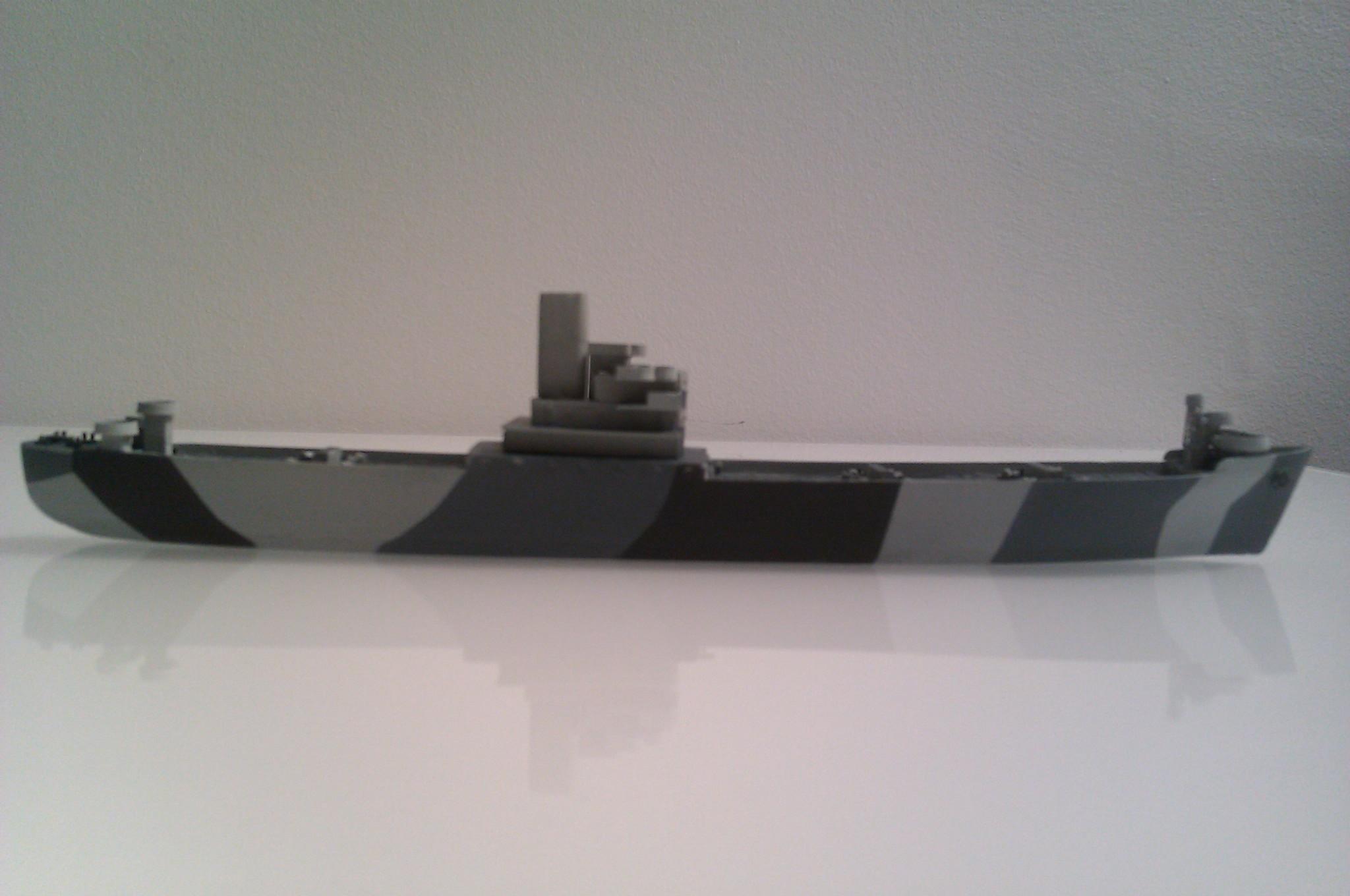 USS Thurston 1/700 à partir du kit Armerican scout de Loose cannon DshJireDX