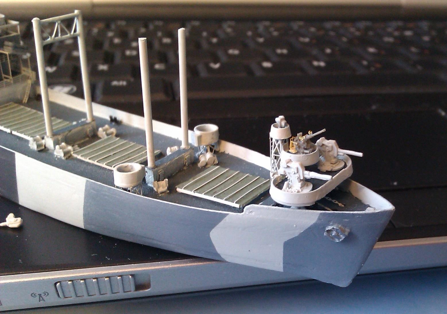 USS Thurston 1/700 à partir du kit Armerican scout de Loose cannon RGIKDR