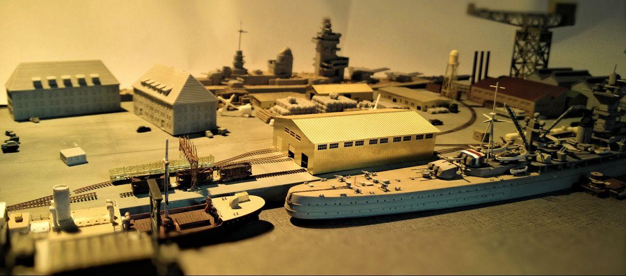Diorama base navale 1/700 par Nesquik - Page 3 Fqja8E6VY