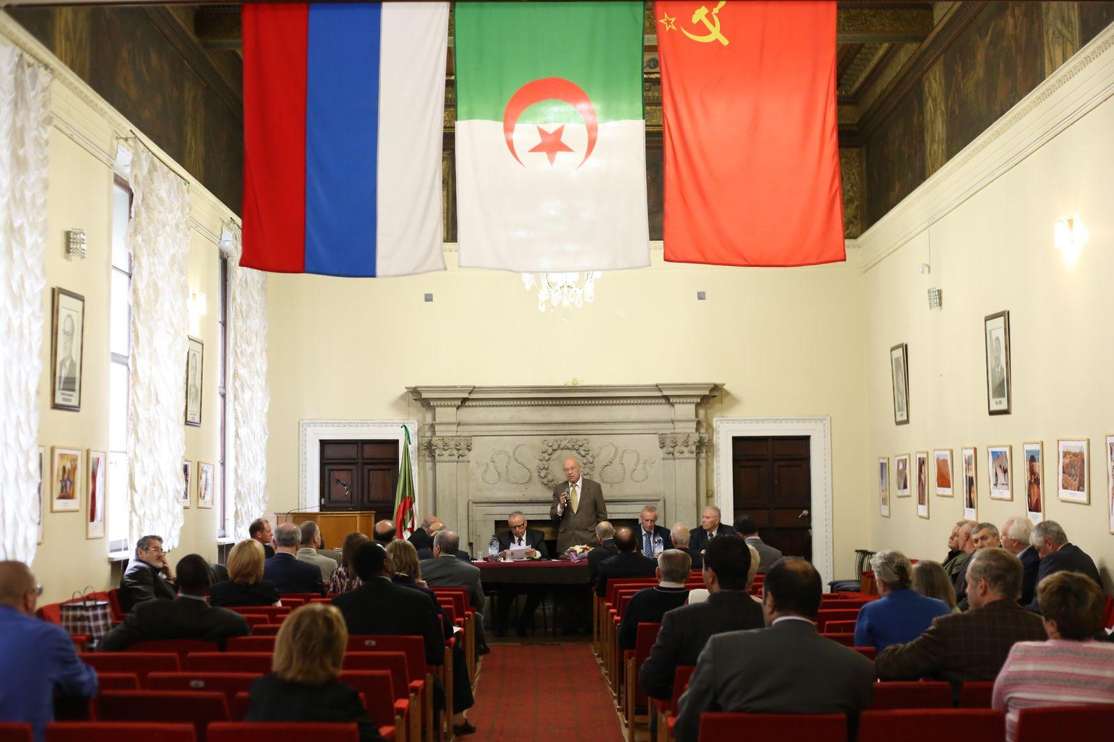 العلاقات الجزائرية الروسية Img_6073