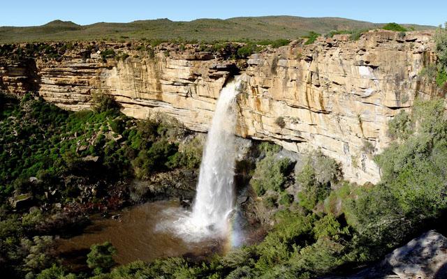 FOTO TË MUAJIT SHKURT - Faqe 6 Doorn-River-Waterfall-Northern-Cape-South-Africa