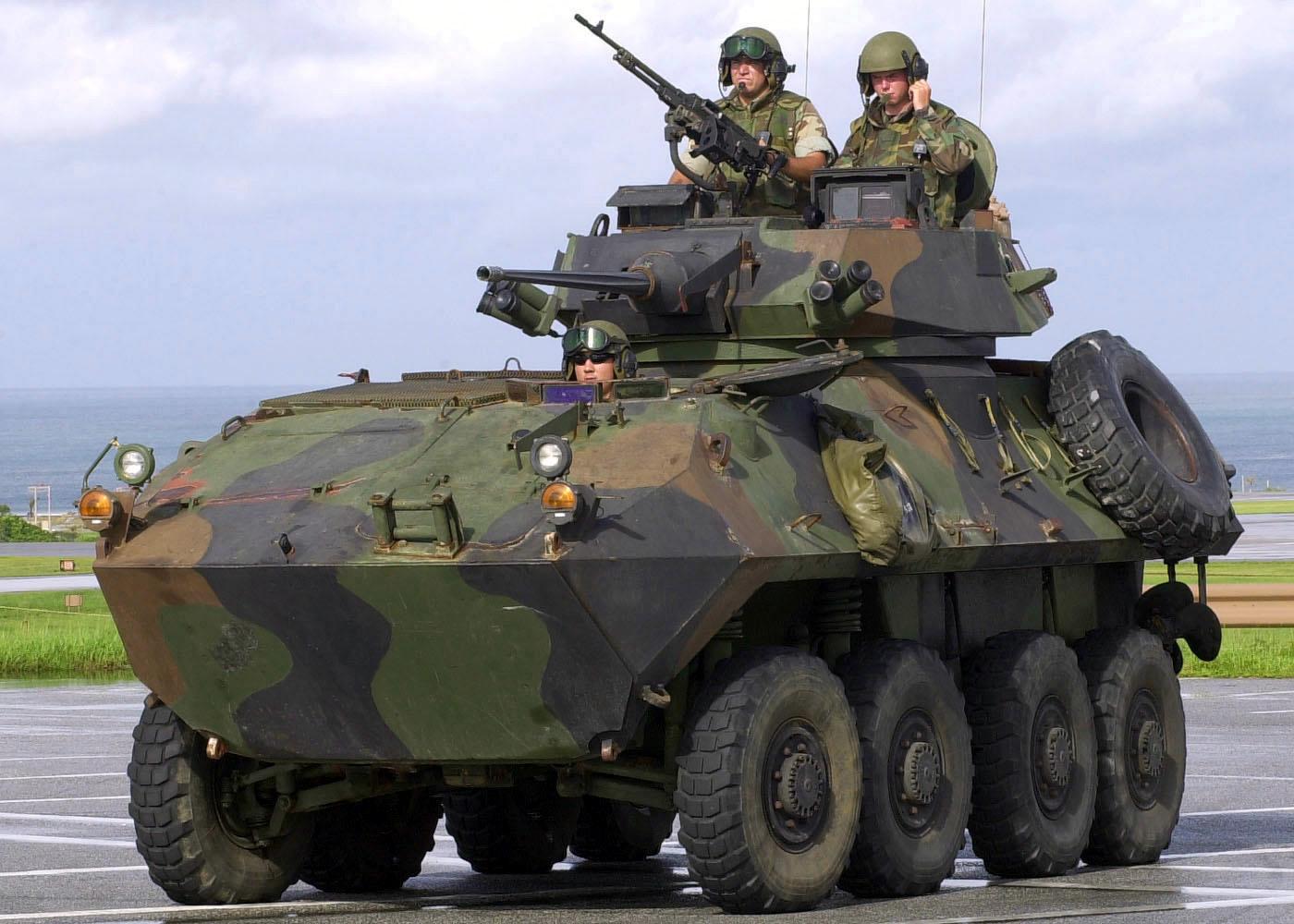 العربة المدرعة الخفيفة lav-25 LAV-25_03