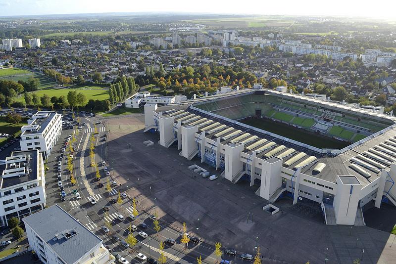 Le stade Michel d'Ornano - Page 3 Caen-stade-ornano-73728