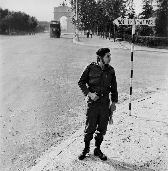 Relaciones Cuba-España en el Franquismo ErnestoCheGuevara_Madrid_1959_CesarLucas1
